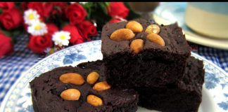 Fudge Brownies by Sri Andarini Litaningtyas