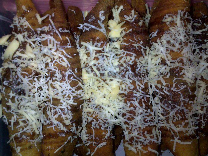 Roti Gulung Piscok by Early Villia Sari