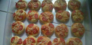 Pizza Unyil by Windy Fajar