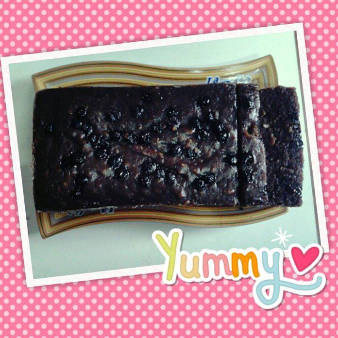 Steamed Moist Chocolate Cake by Mahachakri Sirindom