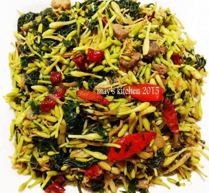 Tumis Bunga Pepaya, Daun Pepaya sama Teri Nasi by Chen May Liang