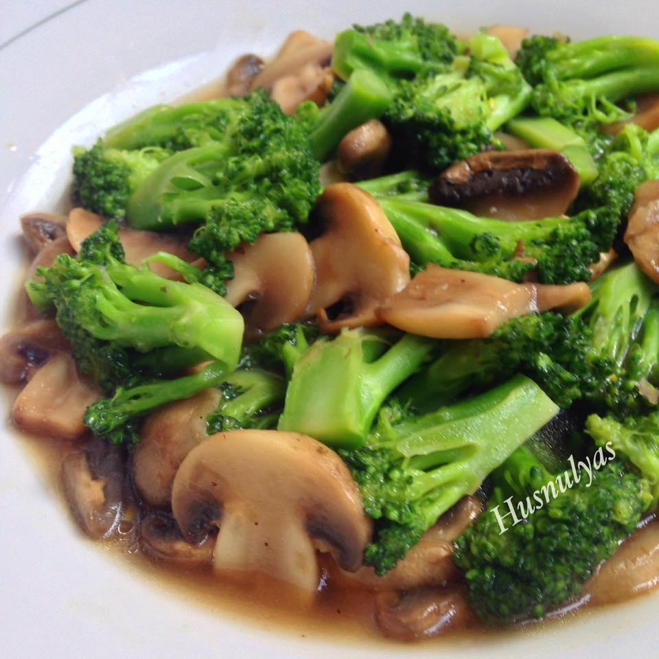 Cah Jamur Brokoli by Husnul Chatimah