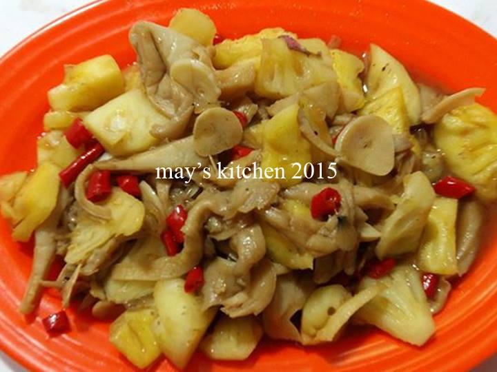 Tumis Jamur Nanas by Chen May Liang