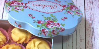 Classic Danish Butter Cookies by Lys Ty