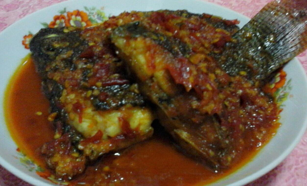 Ikan Gurame Masak Merah by Nanda Nurjannah