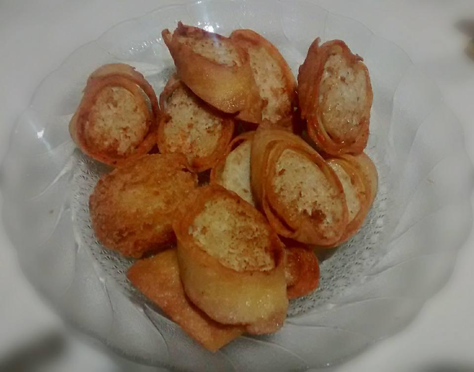 Egg Chicken Roll Ala Hoka Hoka Bento By Wiwi Nanda