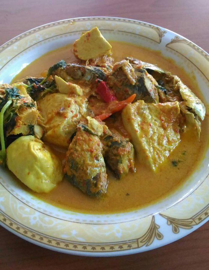 Gulai Ikan Tongkol BUmbu Padang by Riri Sukmawati