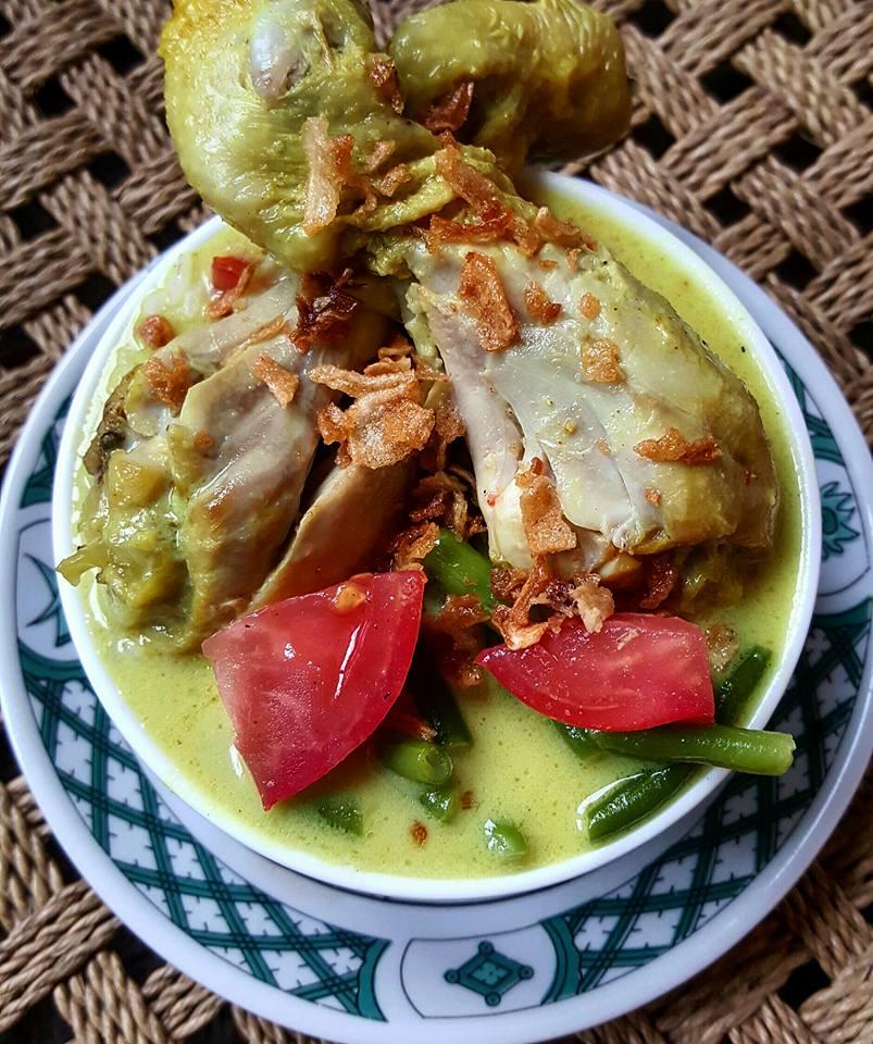 Ayam Soto Kuning by Doni Kusumah