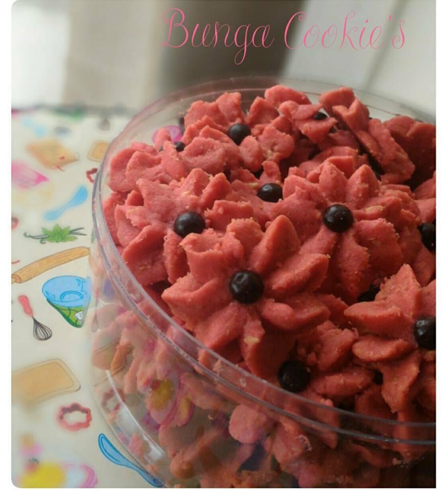 Red Velvet Cheese Cookies by Bunga Safari