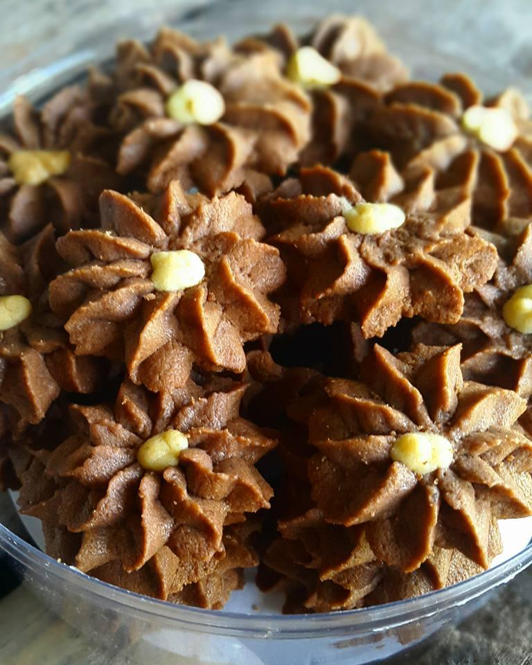 Semprit Cokelat by Kiromatil Baroroh