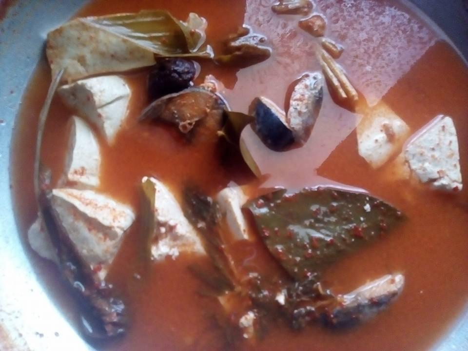 Gulai Asam Padeh Tongkol Tahu Putih by Fera Mahate