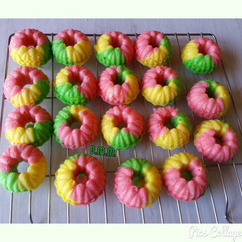 Rainbow Cake kukus by Dewi Mustika