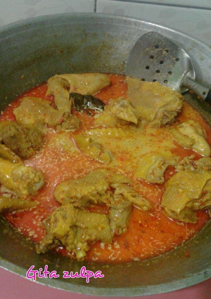 Opor Ayam Kampung by Gita Zulpa
