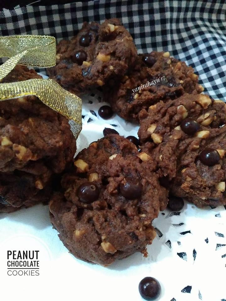 Peanut Chocolate Cookies by Yani Rahayu