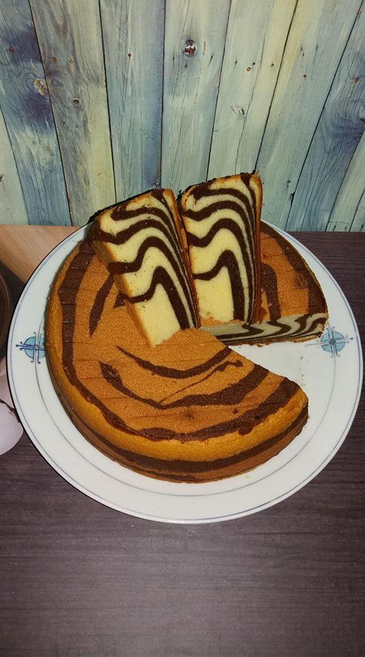 Cake Zebra Putih telur by Erna Soewiryo
