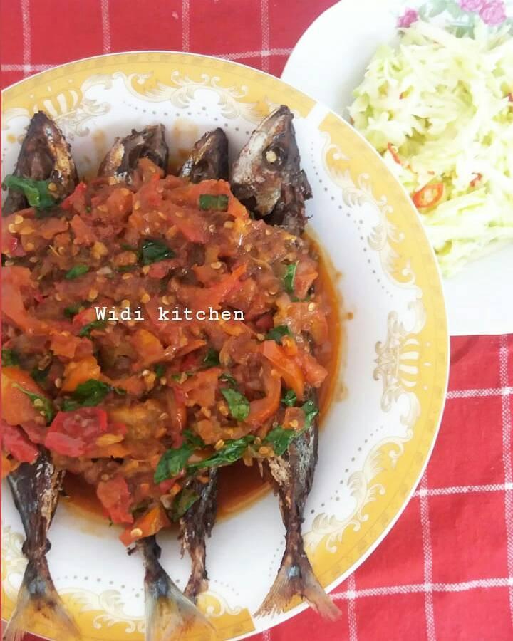 ikan goreng kemangi