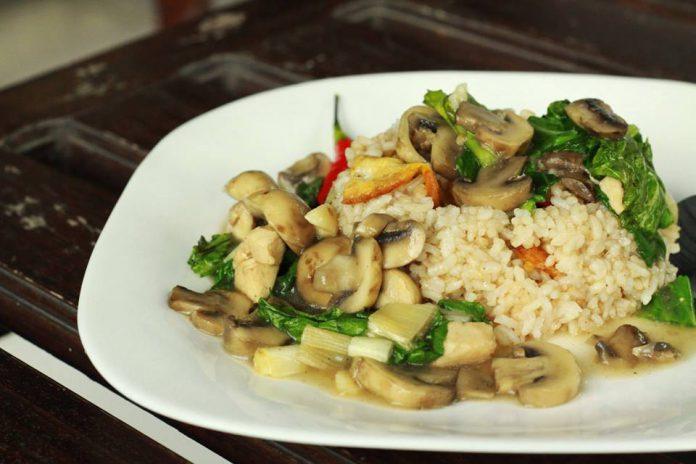 Nasi Ayam Jamur by Gangsar Aji Carnivore
