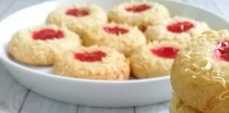 RESEP STRAWBERRY THUMBPRINT TANPA OVEN TANPA MIXER by Ummu Umar