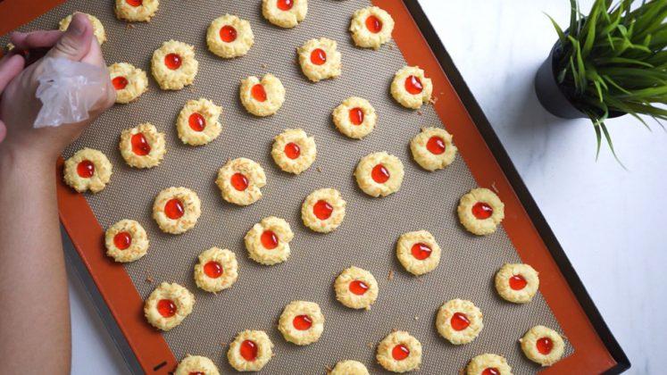 Resep dan Cara membuat Strawberry Thumbprint Cookies by Hendraacen 3