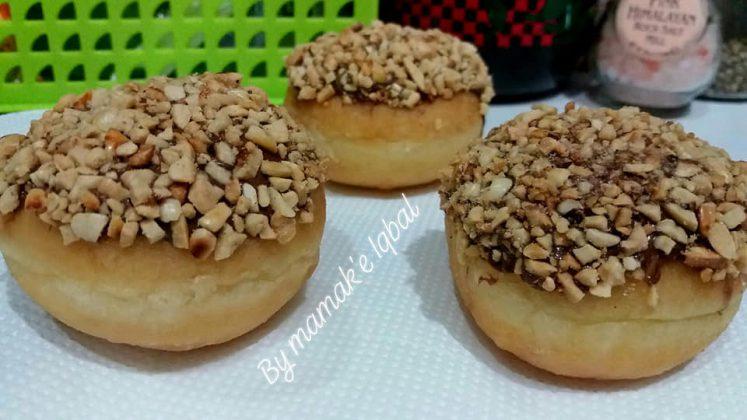 Donuts toping coklat kacang Tanpa mixer by Umi Iqbal