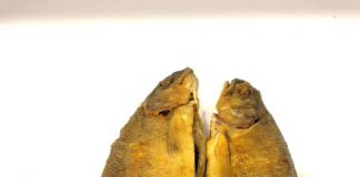 tips Goreng ikan agar tidak lengket dan meletup 1