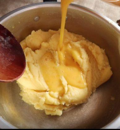 olahan telur + mentega jadi cemilan enak banget by Riescha Oktariana 1
