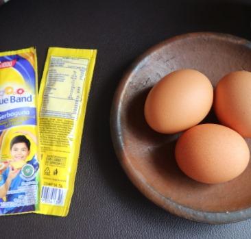 olahan telur + mentega jadi cemilan enak banget by Riescha Oktariana