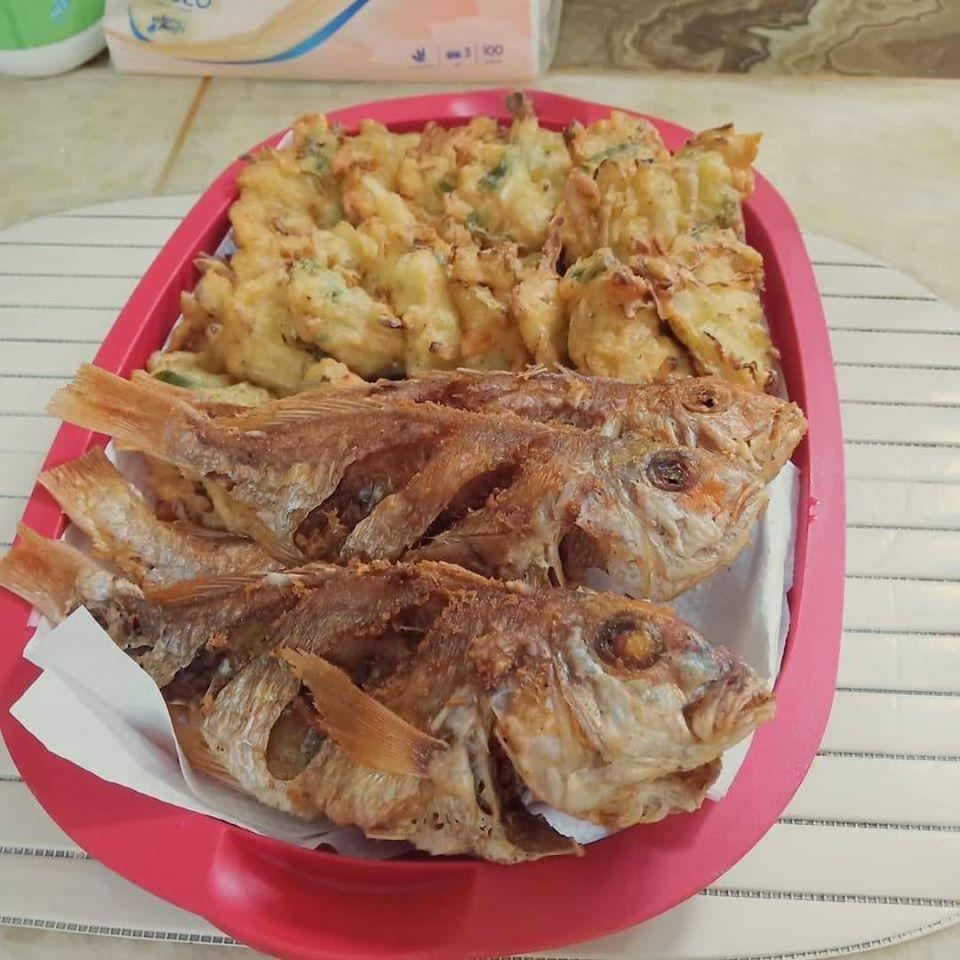 trik agar goreng ikan bisa garing dan nggak muncrat-muncrat