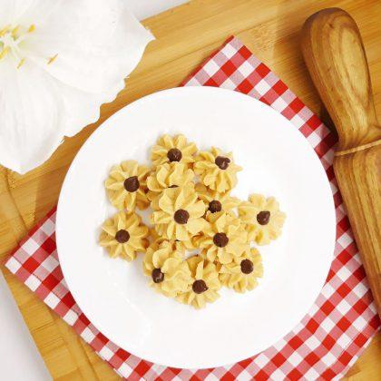 Spritz Cookies atau Kue Semprit by Chitra Annisa Maharani