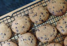 Classic Chocolate Chips Cookies by Dwi Arshi Pratiwi