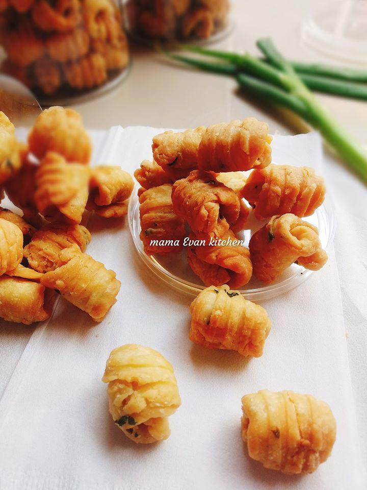 Kue garpu/ kue keong by Franziestca Cah'ayu