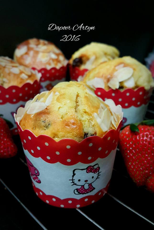 Milk Choco Muffins by Ainie Dihati Adjie