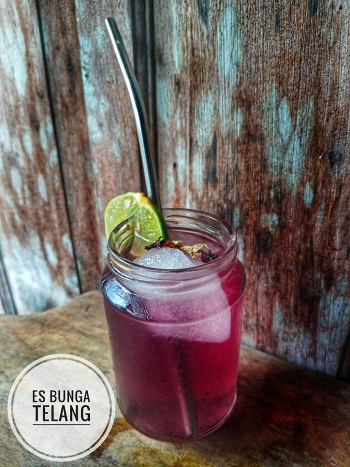 Es Bunga Telang by Donna Innafiza Ruhilavie