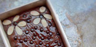 Shiny Fudge Brownies by Tri Wahyuni