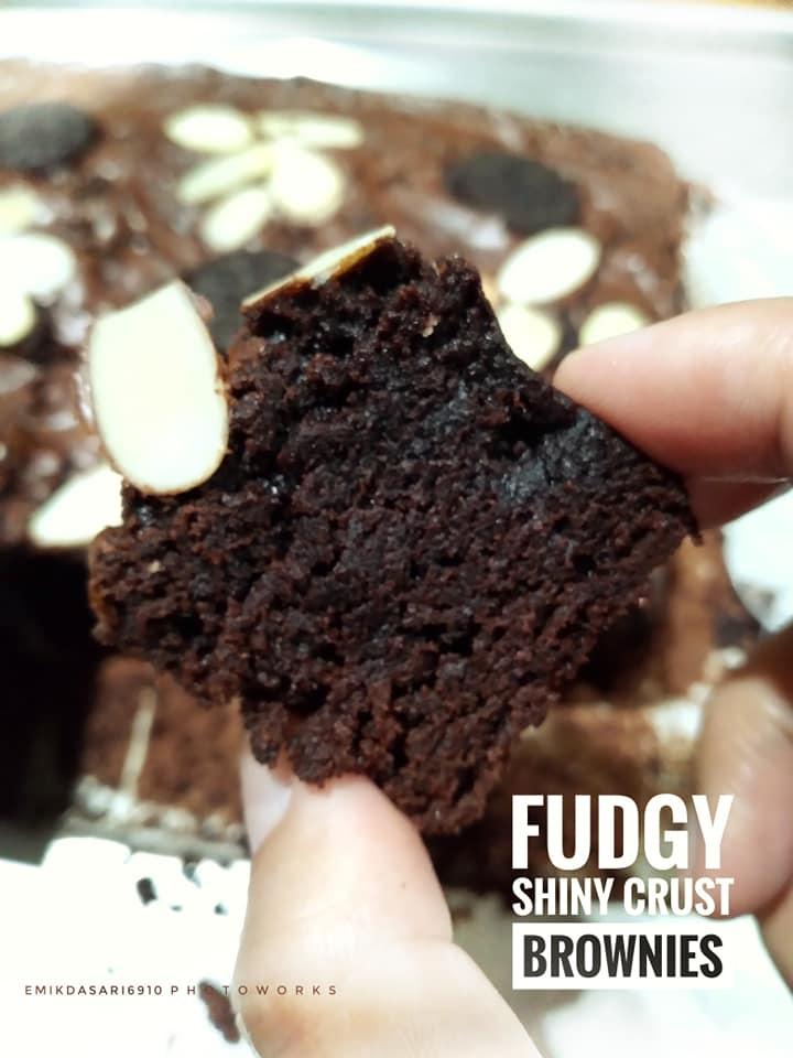 Fudgy Shiny Crust Brownies by Emilda Sari 1
