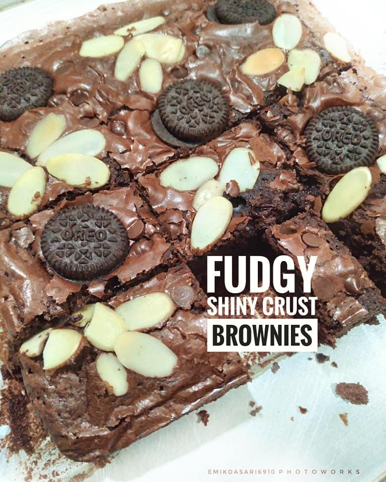 Fudgy Shiny Crust Brownies by Emilda Sari 2