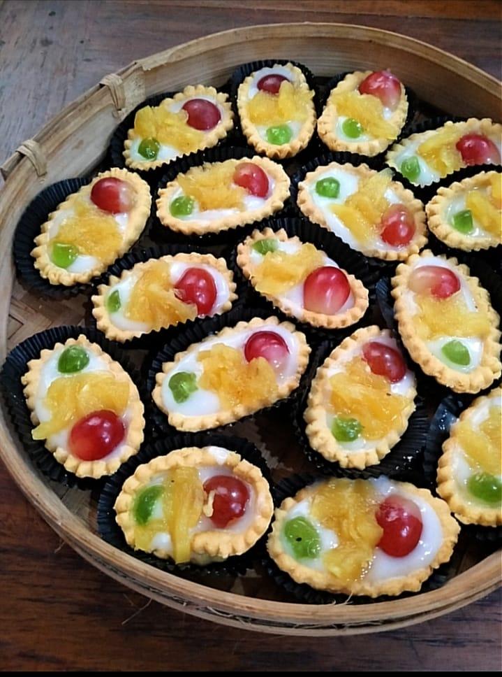 Pie Buah by Rino Haniasti