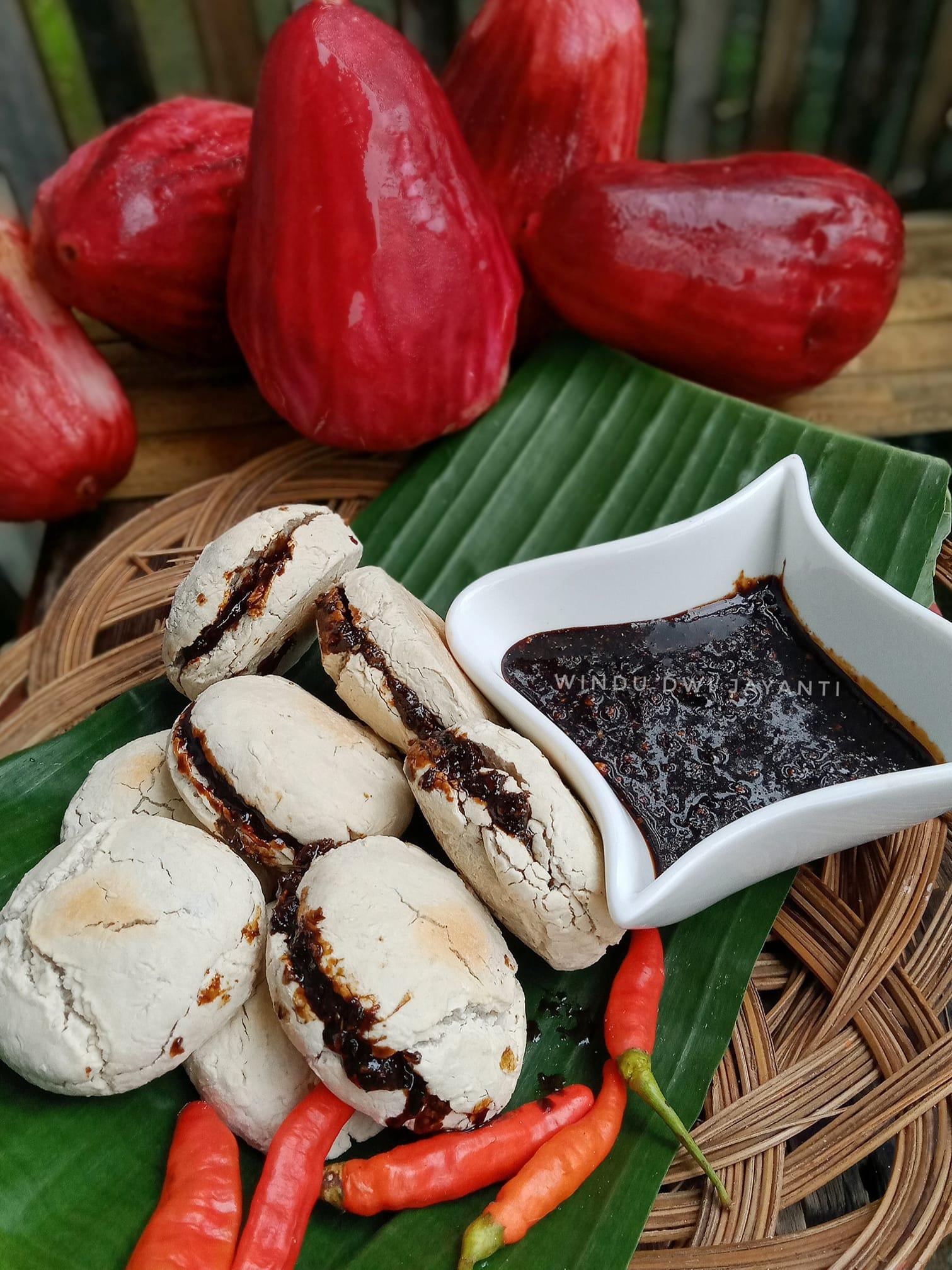 PEMPEK PANGGANG SAGU by Windu Dwi Jayanti