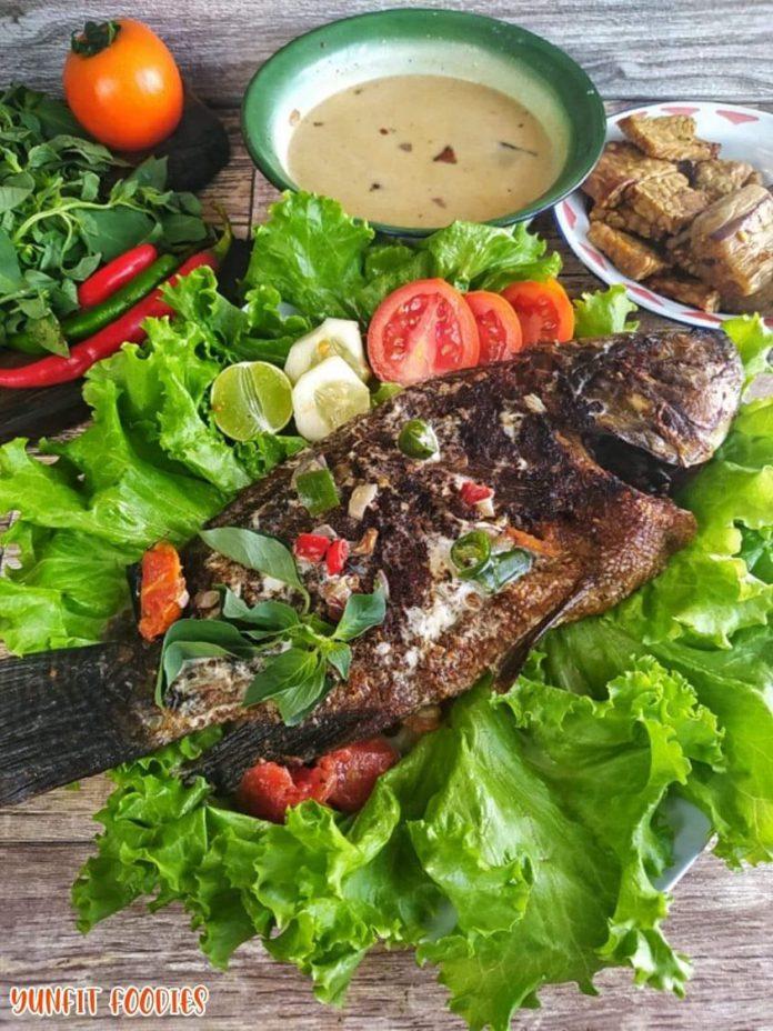 how to cook IKAN NILA BAKAR SAMBAL SANTAN by Yuniarti Nur Fitria