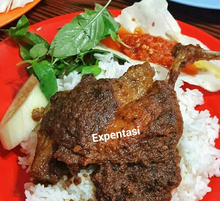 request suami menu bebek bumbu ireng by Lintang Gie