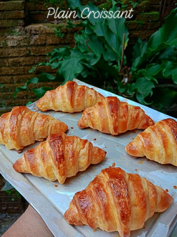 Hanya menyalurkan hobi Plain Croissant by Dodik Aprianto 1
