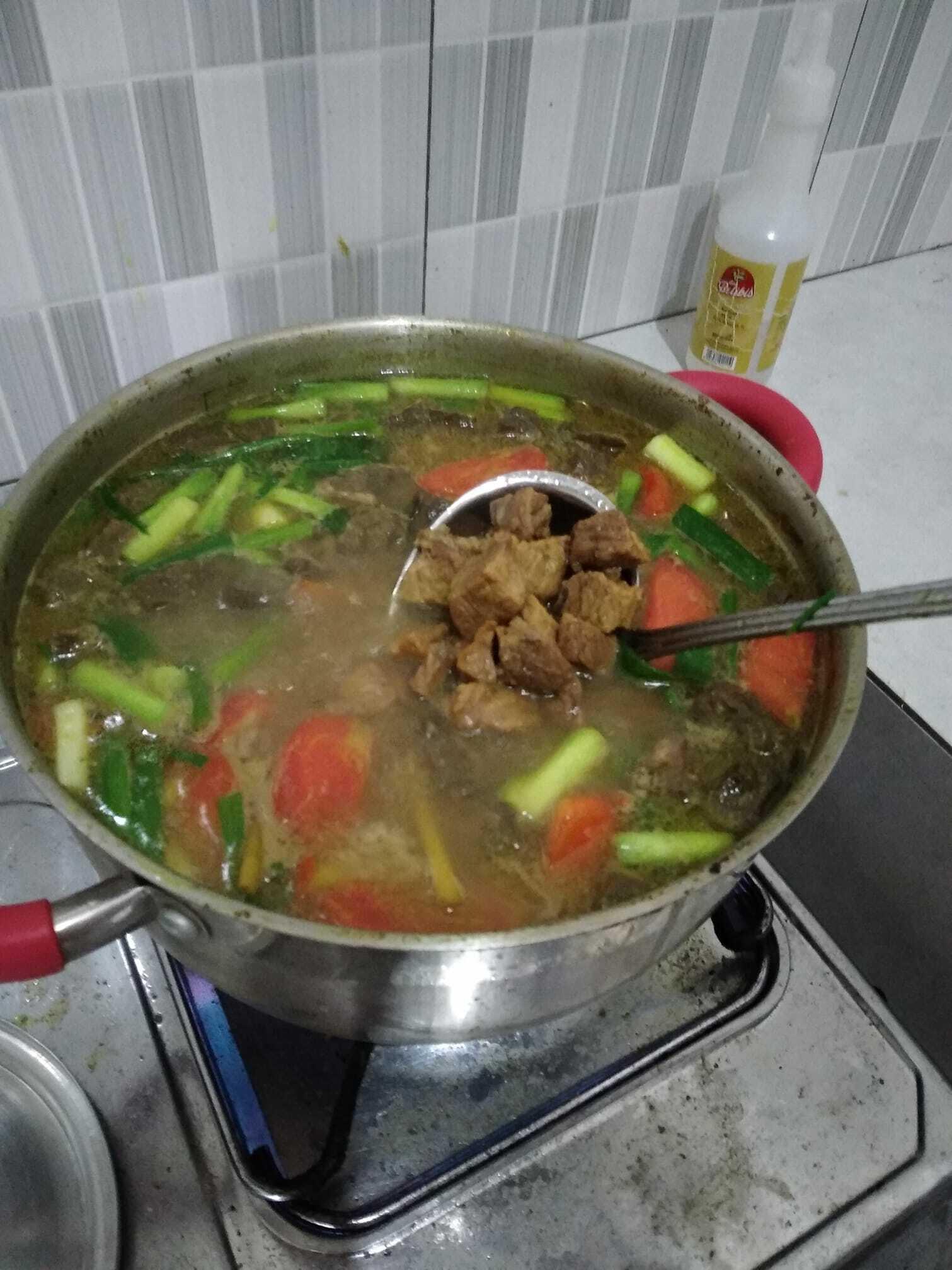 soto daging kesukaan keluarga by Ade Sandrapristiwa Sari