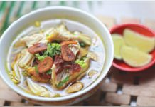 Soto Ayam by Momandson Pudding