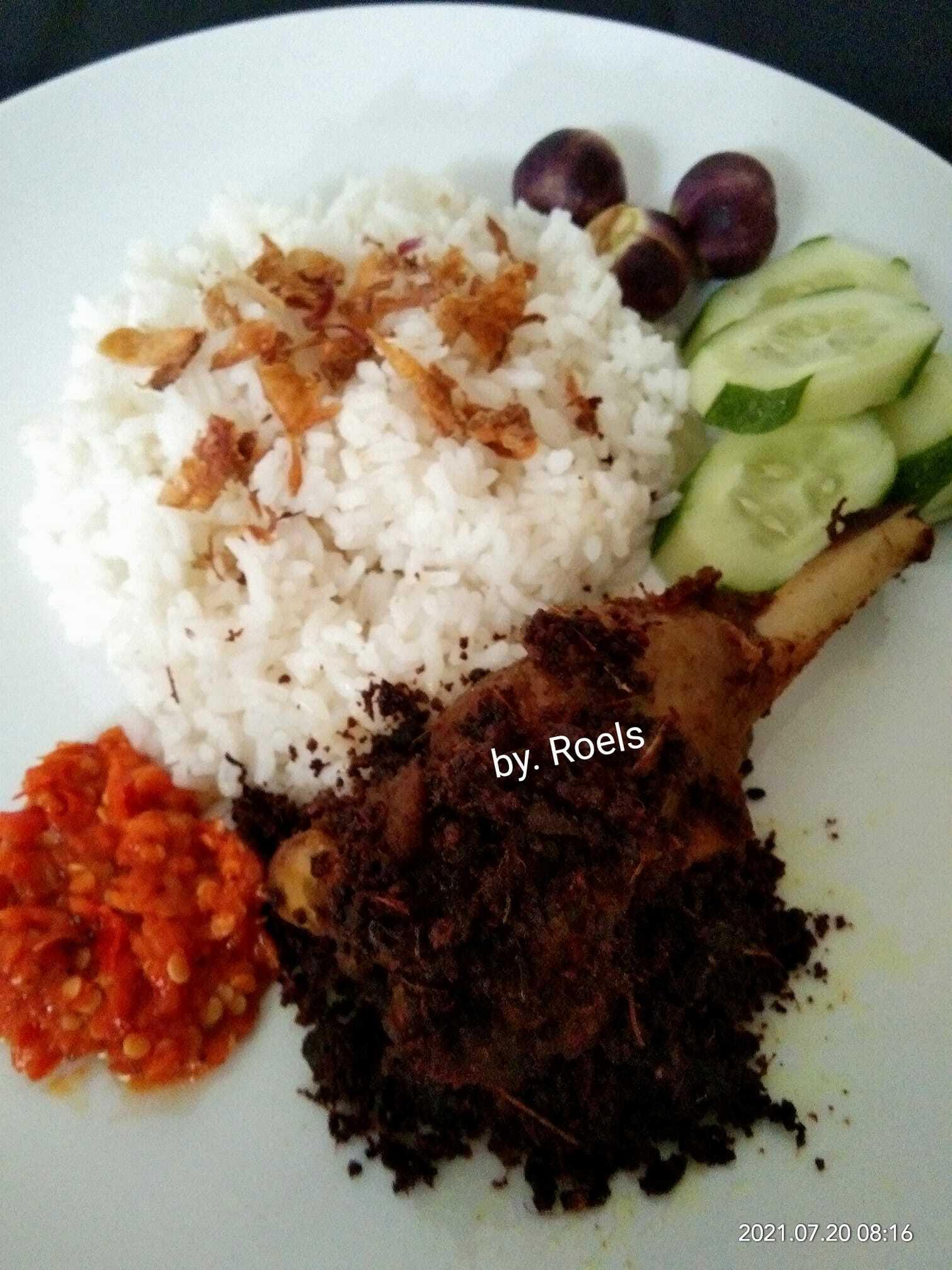 masakan khas Madura Bebek Goreng Bumbu Hitam by Nurul Roels